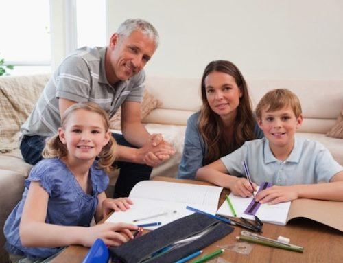Aiutare i figli con i compiti a casa